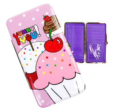 Medium_cupcake_hard_case_wallet_cut_out