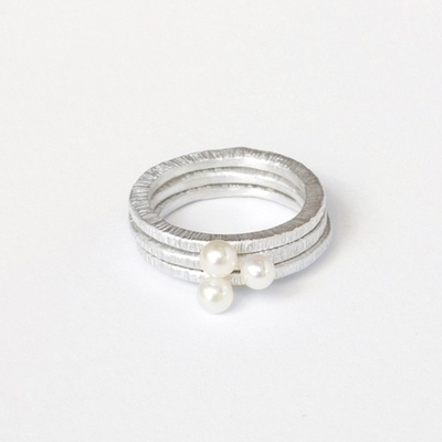Medium pearl ring set 1 460x460