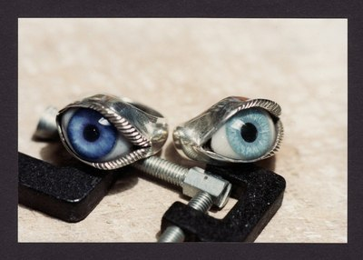 Medium eyes 2