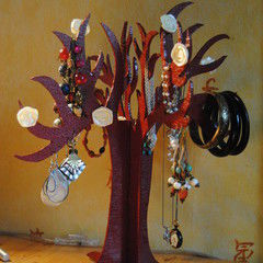 Alice In Wonderland Jewelry Tree