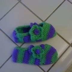 Chrocheted Slippers With Strap