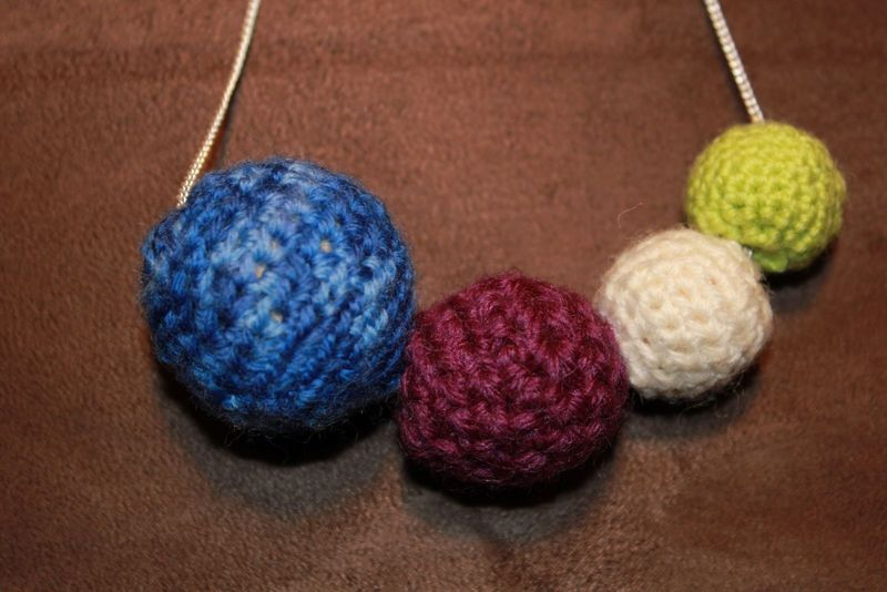 Crocheting Beads : Crochet Beads Necklace ? 410 Gone