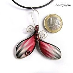 Veget Aria In Red And Black