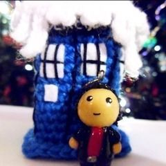 9th Dr Who And Snowy Tardis