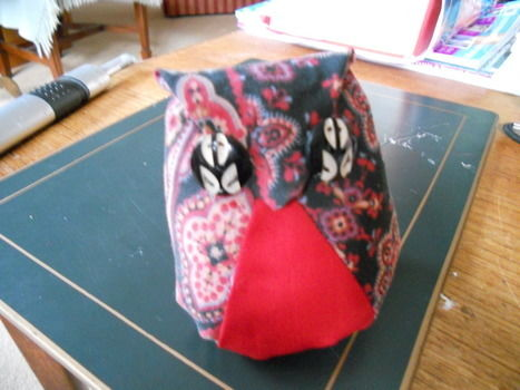 .  Make an owl plushie in under 40 minutes by needleworking, sewing, and patchworking Inspired by creatures and vintage & retro. Version posted by Belinda's Grace. Difficulty: Simple. Cost: No cost.