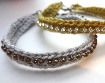 Use any colour bead to suit your style! .  Free tutorial with pictures on how to make a beaded bracelet in under 20 minutes by beading and crocheting with scissors, crochet hook, and embroidery thread. How To posted by EVEnl. Difficulty: Simple. Cost: Absolutley free. Steps: 8