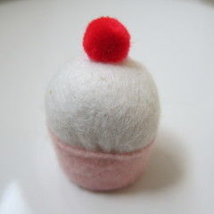 Cupcake Bottlecap Pincushion