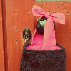 Fuzzy <3: Freakin' Bows Bag