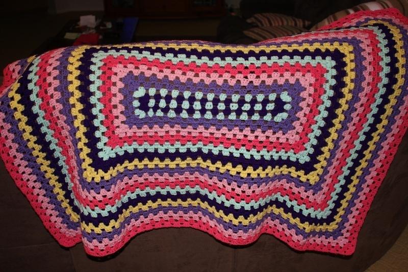 Crochet Quilt Afghan : Crochet Afghan Blanket ? A Granny Square Blanket ? Crochet on Cut ...