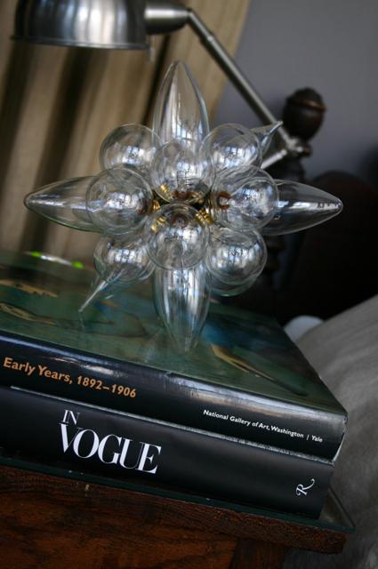 Impressive Light Bulb Sculpture 425 x 640 · 313 kB · jpeg