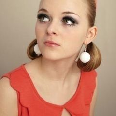 Twiggy Make Up