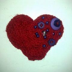 Woollen Heart Broach <3