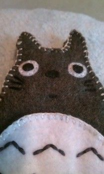 Super cute totoro case .  Sew a fabric character pouch in under 120 minutes by creating, constructing, needleworking, embroidering, sewing, and not sewing with felt, felt, and felt. Inspired by crafts, anime & manga, and my neighbor totoro. Creation posted by Grace . Difficulty: Easy. Cost: Absolutley free.