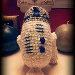 R2 D2 Amigurumi