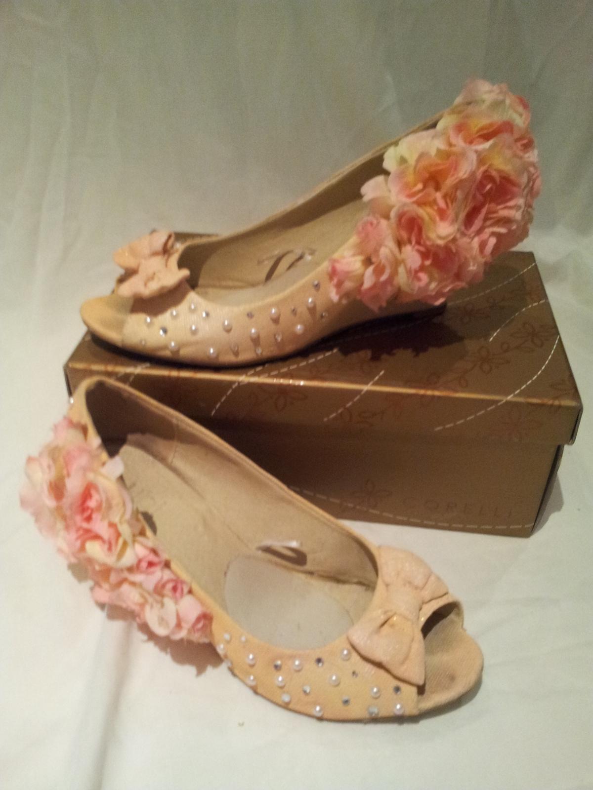 christian louboutin heels burlesque - Obsidian Wellness Centre
