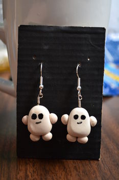 Adipose. .  Make a dangle earring in under 60 minutes by beading, jewelrymaking, molding, and wireworking with polymer clay, nail polish, and head pin(s). Inspired by gifts, kawaii, and clothes & accessories. Creation posted by Risa.Hanae (JapZilla). Difficulty: Simple. Cost: Cheap.
