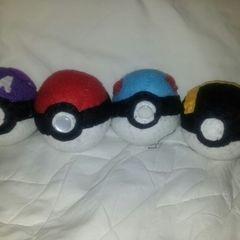 Pokè Balls :)