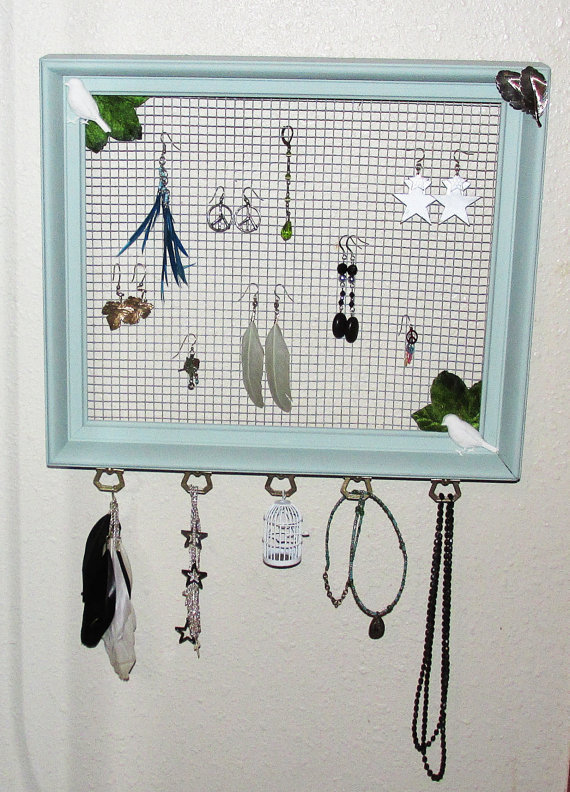 Vintage Frame And Chicken Wire Jewelry Organizer 183 A