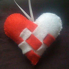 How To Make Heart Shaped Bag Accessories