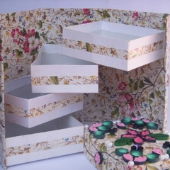 Christmas Quilled Folding Box.