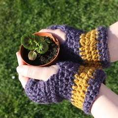 Super Simple Crochet Wristies