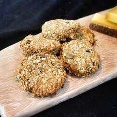 Rosemary & Pumpkin Seed Oat Cakes