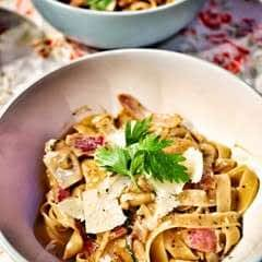 Mushroom, Red Onion & Parsley Tagliatelle