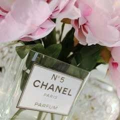 """Diy    """"Chanel N°5 Parfum"""" Vase"""