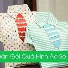 Instruction For Gift Wrapping With A Shirt Shape