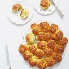 Cheese And Garlic Tear And Share Scones