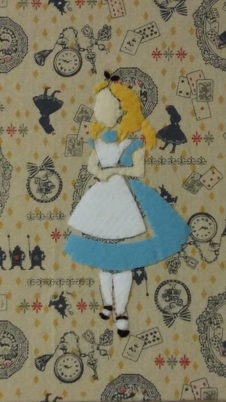 Alice in wonderland themed felt art work how to make a Alice and wonderland art projects