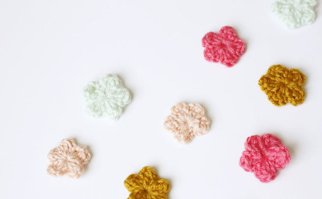 Tiny Crochet Flowers