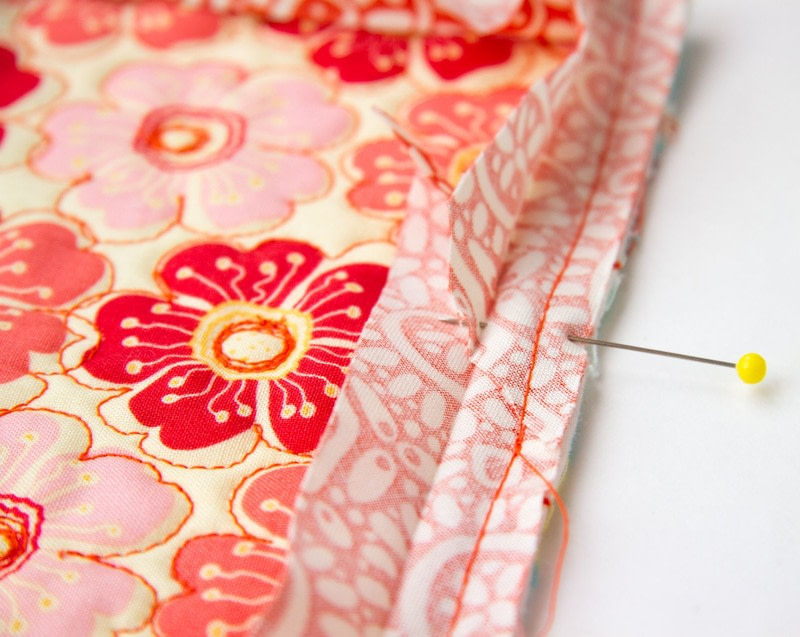 how to make corners on quilt binding