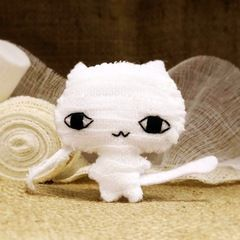 Mummy Cat Plushie