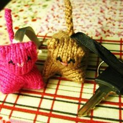 Knit Kitty Keychain