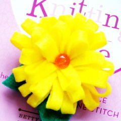 Bright Flower Brooch