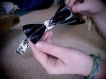 How To: Ducktape: Bow Bracelets