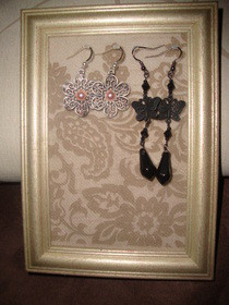 Frame Earring Organizer