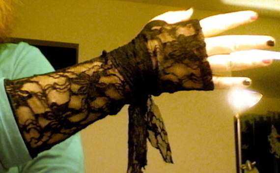 Lacy Fingerless Gloves
