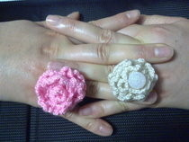 Magic Pearl And Pink Rose Crochet Rings