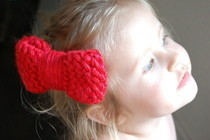 Hello Kitty Loom Knit Bow