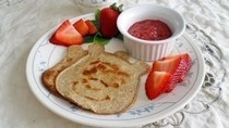 Winnie The Pooh Low Carb Pancakes With Strawberry Sauce