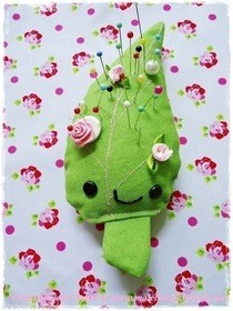 Kawaii Leaf Pin Cushion