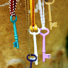 Enameled Vintage Keys Diy