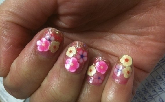 Cute Flower Nails