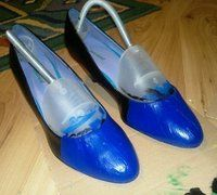 How to paint a pair of painted shoes. Nautical Kitten Heels - Step 2