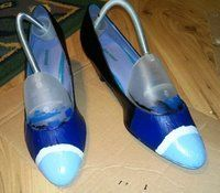 How to paint a pair of painted shoes. Nautical Kitten Heels - Step 4