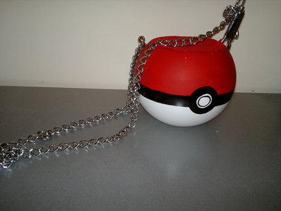 How to make a novetly bag. Pokeball Bag / Halloween Candy Tub - Step 15