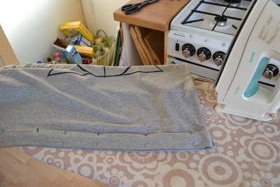 How to paint a t-shirt. Harry Potter & The Deathly Hallows T Shirt - Step 6