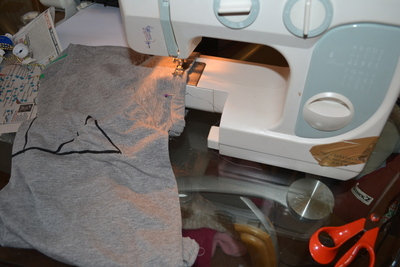 How to paint a t-shirt. Harry Potter & The Deathly Hallows T Shirt - Step 7